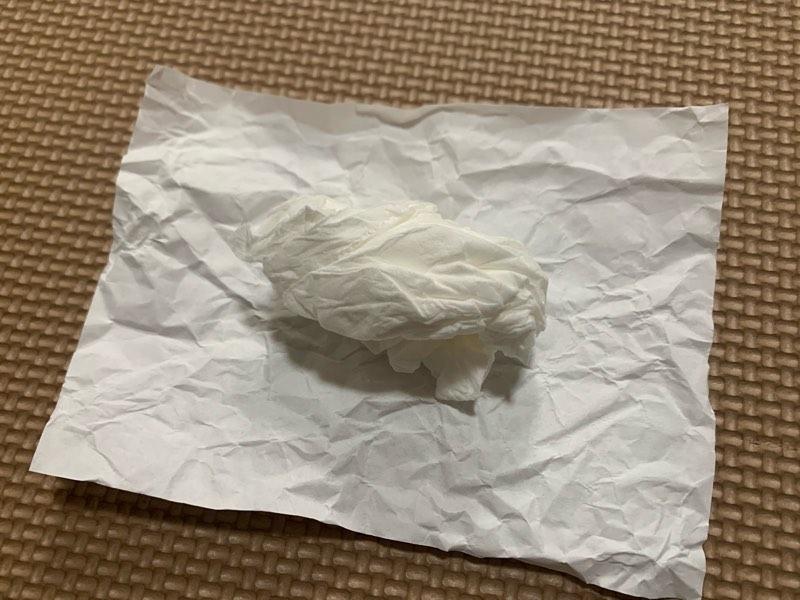 折り紙お寿司の作り方、ティッシュでシャリを作る